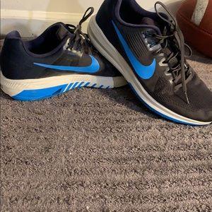 Men's like new Nike sneakers